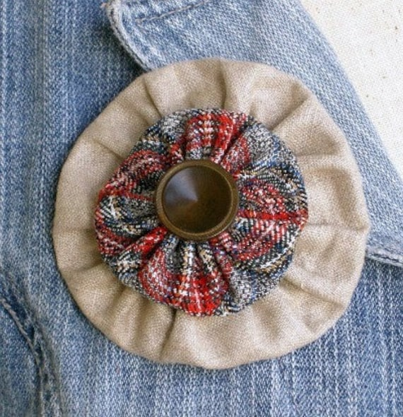 My Scotland - plaid and linen brooch