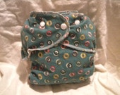 Simple Cotton fitted diaper CIRCLES on GREEN size MEDIUM