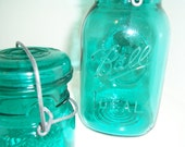 Pair of Ball Canning Jars with Lids in AquaBlue BEAUTIFUL
