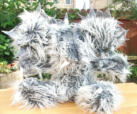 Plush Chupacabra, Shaggy soft grey / white faux fur