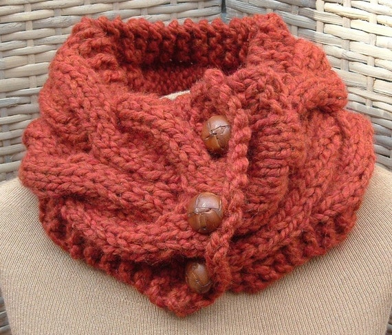Cable knit neck scarf in washable wool