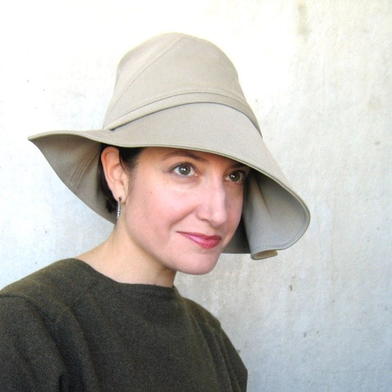 Year End Sale Sun hat : Moving Image in khaki cotton drill