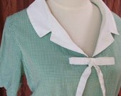 Giggly Green Gingham 50s or 60s vintage day dress -- larger size