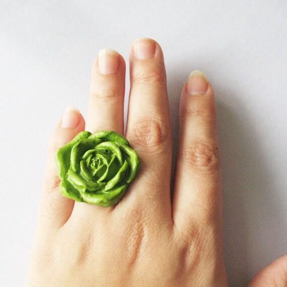 Big Green Rose (ring)