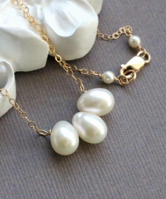 Past Present Future Necklace, Three Teardrop Pearls, Freshwater Pearl Necklace, Pearl Wedding Necklace, gold fill Chain, Wedding Jewelry
