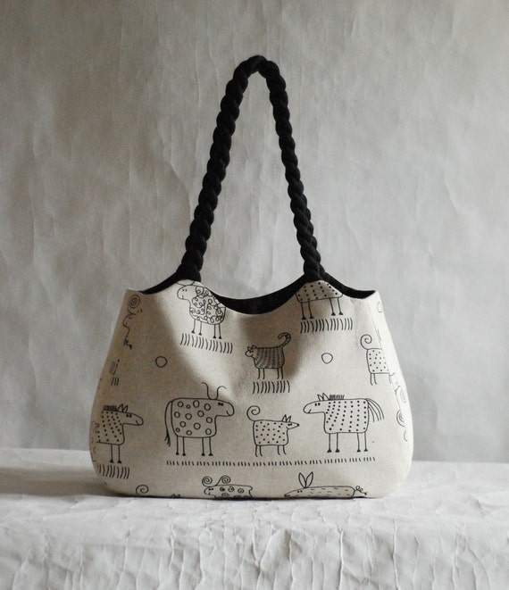 Linen handbag with animal prints by rutadesign