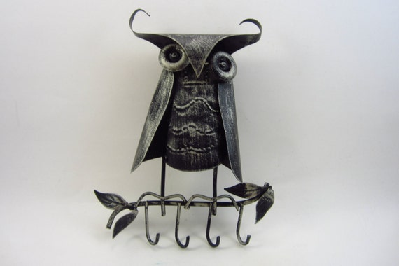 Vintage Metal Owl - Retro Key Holder - Necklace Holder - 1970's Kitsch