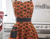 The BELLA Vintage Inspired Halloween Owls Full Apron