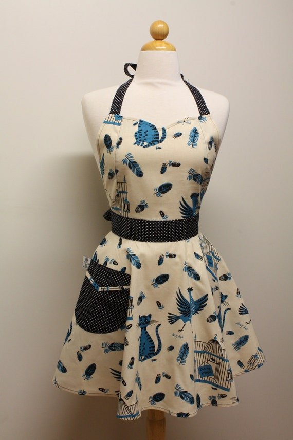 Apron Retro Style Sweetheart Neckline Out to Lunch Full Apron BELLA Vintage Inspired