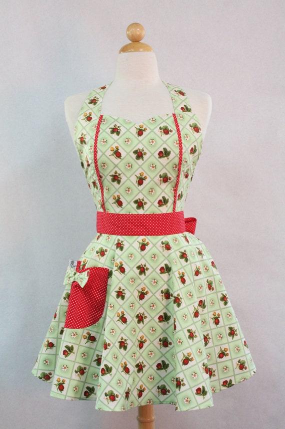 Apron Retro Style Sweetheart Neckline Green Strawberry Patch Full Apron MAGGIE