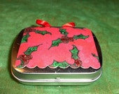 2 Miniature Christmas Tags in a Decorated HINGED TIN Gift  Box filled