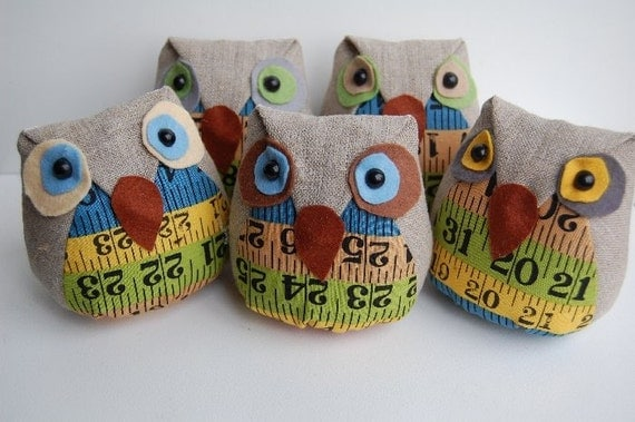 TAPE OWL PINCUSHION NO 1