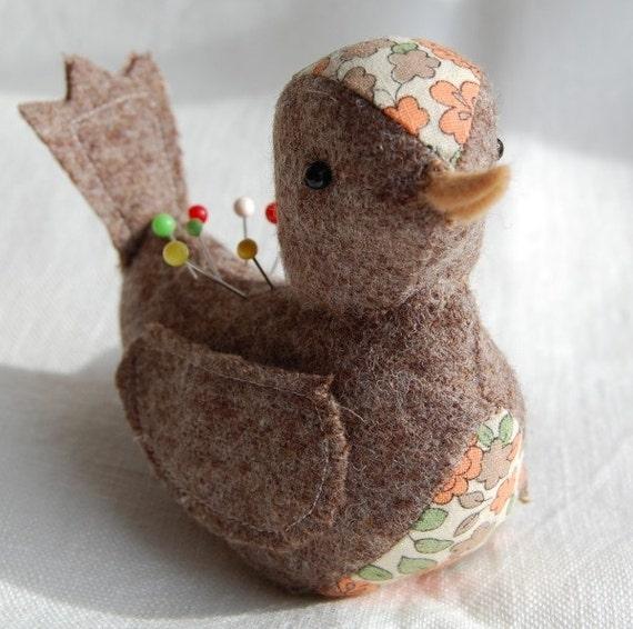 BIRD PIN CUSHION GAYA