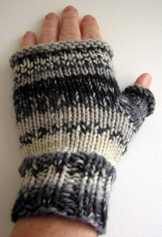Fingerless Gloves Knitting Pattern Magic Loop : Items similar to Knitting pattern pdf - Fingerless Mittens ...