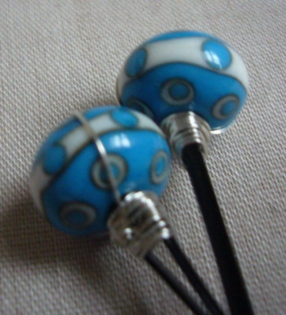 Turquoise Dots Glass Bobby Pins Set