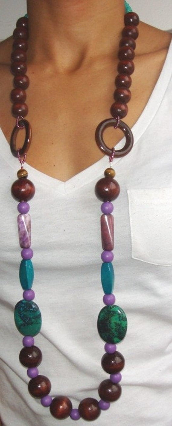 CLEARANCE - GRAPEVINE beaded necklace made with semi-precious stones, wooden beads and sterling silver parts.  Chunky Jewelry. Purple.