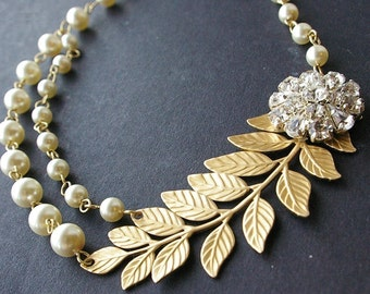 Gold Bridal Necklace, Gold Leaves Wedding Necklace, Vintage Bridal Jewelry, Cream Pearl Wedding Jewelry, Gold Pearl Bridal Necklace, ELIZA