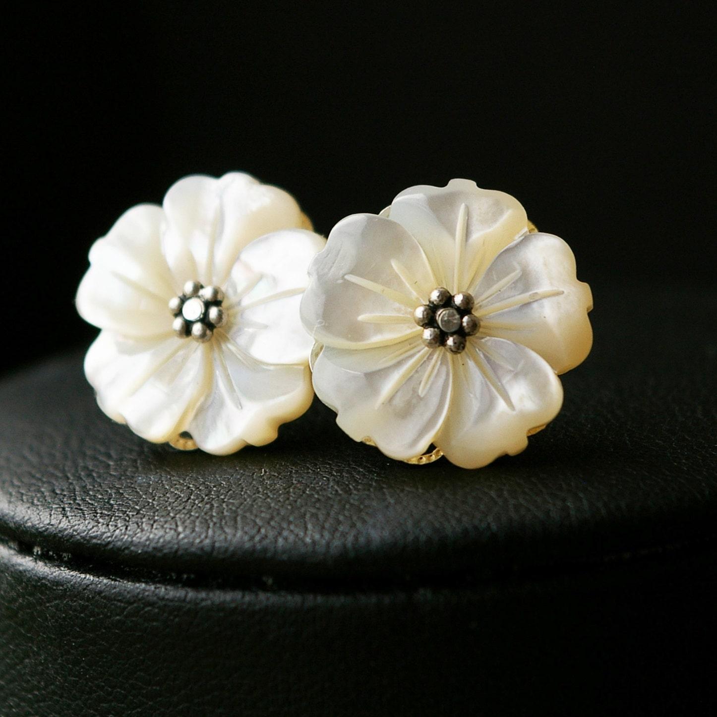 Mother of Pearl Flower Stud Earrings Vintage Bridal Jewelry