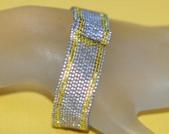 Simply Stripes ... Narrow Peyote Bracelet . Yellow . Frost Pearl Gray . Beadwoven . Simple . Modern Bracelet . Pretty Gift . Chic Jewelry