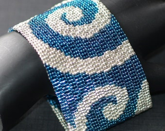 Silver Waves in a Deep Blue Sea ... Bracelet . Cuff . Peyote . Beadwoven . Zircon . Galvanized . Metallic . Striking . Bold . Elegant
