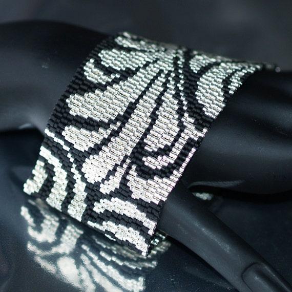 Damask in Galvanized Silver and Matte Black ... Peyote Bracelet . Beadwoven Cuff . Wide . Metallic . Classic Colors . Elegant . Fern Leaves