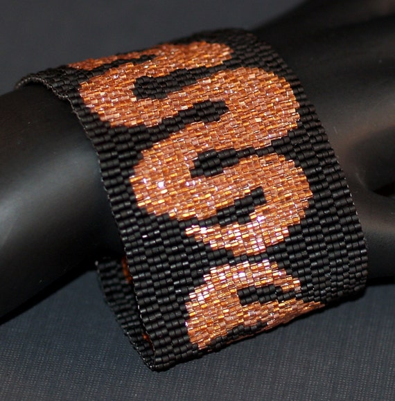 Wriggle ... Peyote Bracelet . Beadwoven Cuff . Shiny Copper . Matte Black . Snake . Glitzy . Glamorous . Wide . Stylish . Chic