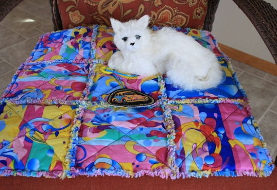 Cat Blanket, Fabric Cat Bed, Handmade Cat Bed, Cat Quilt, Washable Cat Blanket, Quilt For Cats, Small Dog Blanket, Quilt for Dogs, Pet Bed