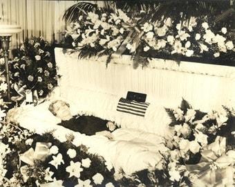 20s era mourning memorial post mortem oddity funeral