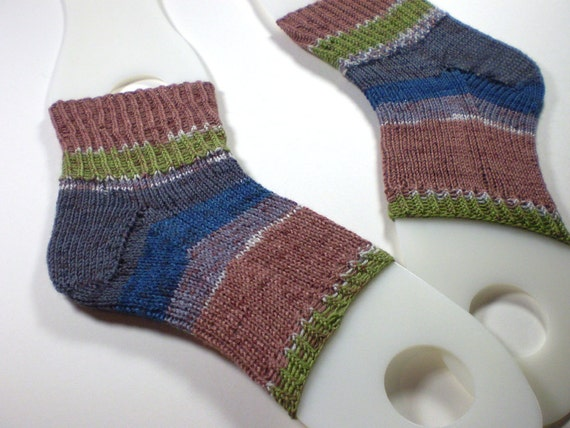 Knitting Pattern For Pedicure Socks : Hand knit toeless pedicure socks Knit flip flop socks in