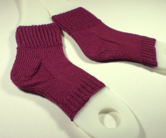 Hand knit flip flop socks -- Toeless pedi socks -- Mini foot hugs in burgundy pink red -- 100% wool yarn