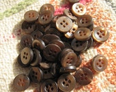 50 root beer buttons