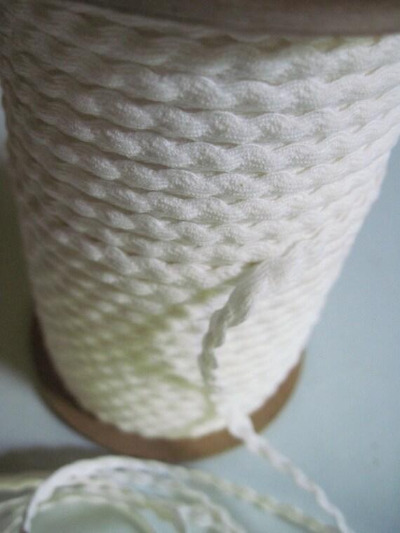 cotton trim white narrow scalloped edged 5 yards