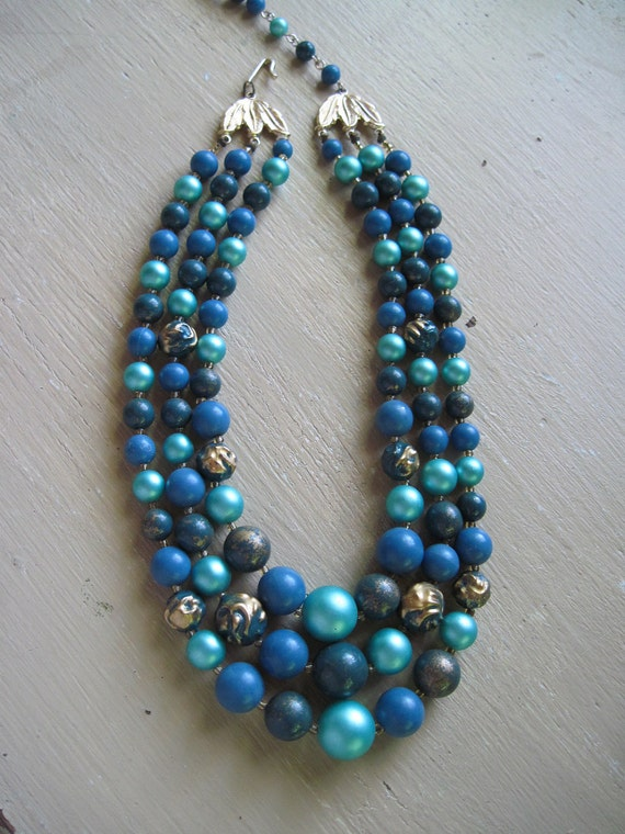 3 stranded beaded necklace in blues