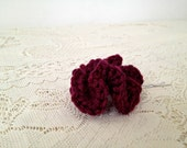 Hyperbolic crochet hair clip in burgundy ruffle