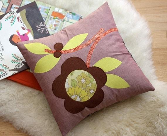 Fall Daisy Pillow, 14 x 14, Cotton Applique