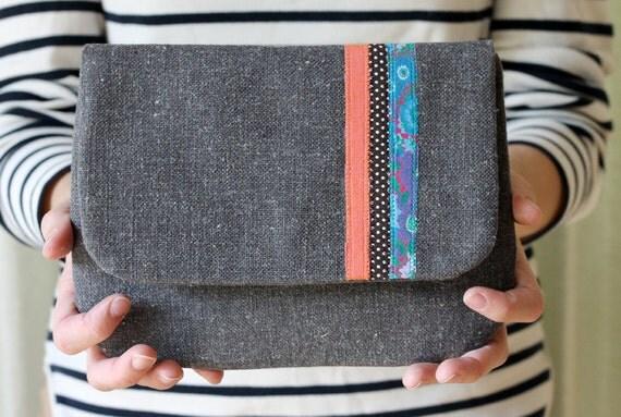 Palm Beach Stripe Clutch, Gray Linen, Applique