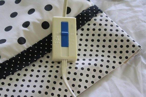 Heating Pad Cover-Black and White Polka Dot
