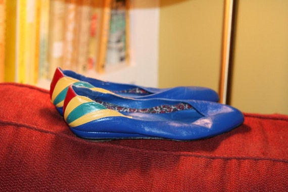 GOING VEGAN SALE Chevron Stripe Flats.  Electric Blue.  by Juliana.  Size 7.