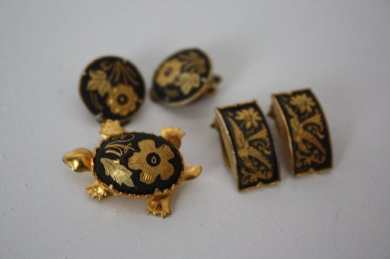 Damasquinado Lot.  Two pair of earrings and turtle brooch.