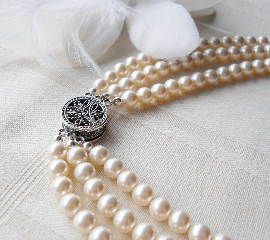 Pearl Necklace Clasps: Triple Strand Pearl Bridal Necklace Decorative Sterling Clasp