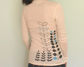 SALE modern GaRdeniNg Cream LOngsleeve V neck  only  XL