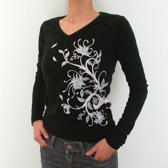Windy Tree branch floral design longsleeve black V neck