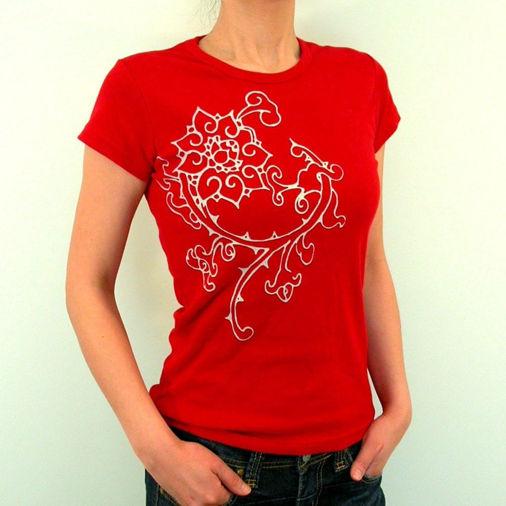 Vintage big flower tattoo art design red ladies t shirt