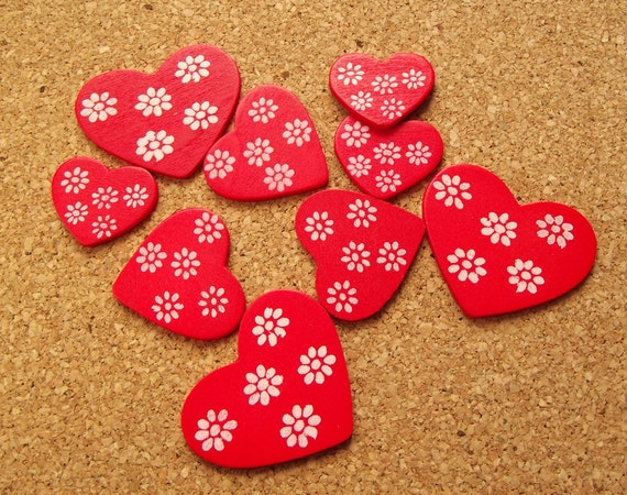 Red heart wooden cabochons
