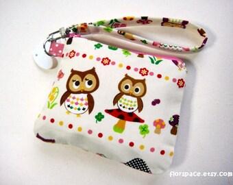The Peculiar Owls MidiZ Wristlet
