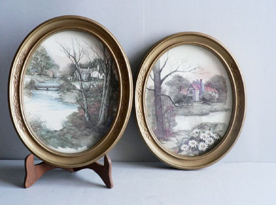Oval Picture Frames, Gold tone Plastic,  Set of Two