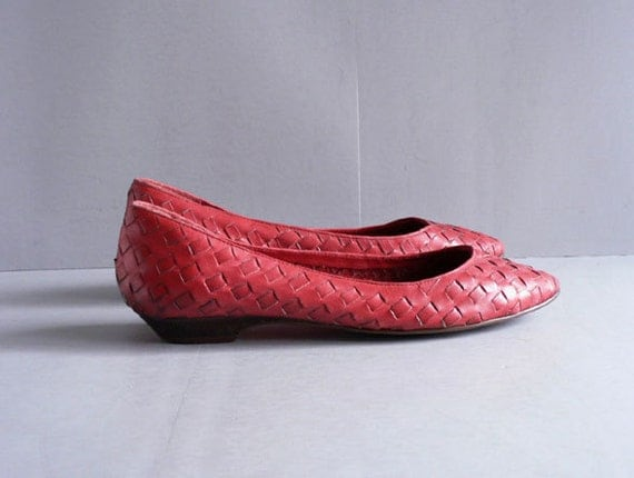 RESERVED FOR Yy Vintage Red Leather Huarache Flats, Women's Woven Shoes  Size 8M
