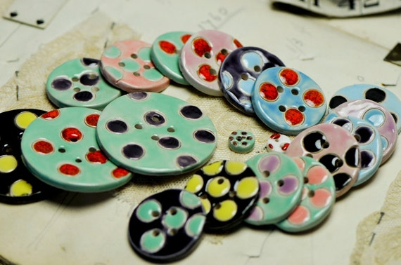 Large selection of spotty buttons reduced