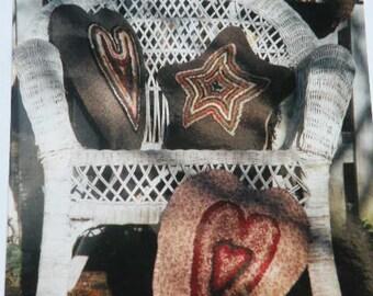 Primitive Folk Art Hooked Star-Heart Pillows Pattern