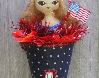 Primitive Folk Art Doll in Cone   Americana Patriotic   USA